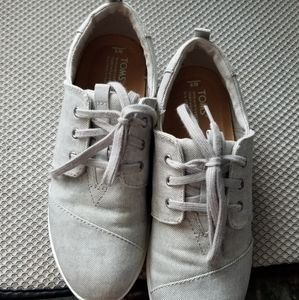 TOMS Gray sneakers -- Womens 8